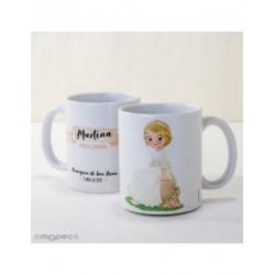 Taza cerámica niña Comunión sentada en banco en caja regalo