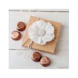 Flor adhesiva de lino en estuche 4 torinos*